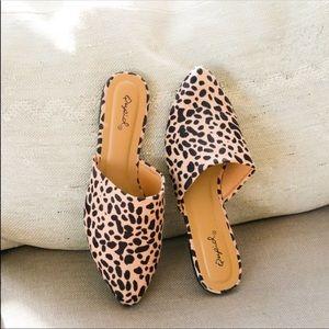 Shoes - 😍restock! Tan leopard mule slide flats